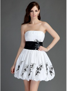 A-Line/Princess Strapless Short/Mini Taffeta Homecoming Dress With Ruffle Lace Sash