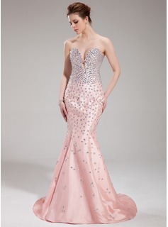 Trumpet/Mermaid Sweetheart Sweep Train Taffeta Evening Dress With Beading