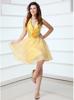 A-Line/Princess Halter Knee-Length Taffeta Organza Cocktail Dress With Ruffle Beading (016017304)