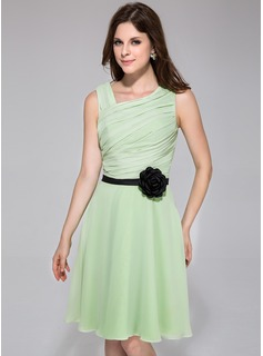 A-Line/Princess Knee-Length Chiffon Charmeuse Bridesmaid Dress With Ruffle Sash Flower(s)