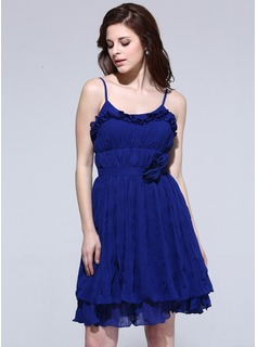 A-Line/Princess Scoop Neck Knee-Length Chiffon Homecoming Dress With Ruffle Flower(s)