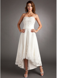 A-Line/Princess Sweetheart Asymmetrical Organza Wedding Dress With Lace Beadwork