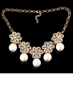 Beautiful Metal With Imitation Pearl Ladies' Fashion Necklace