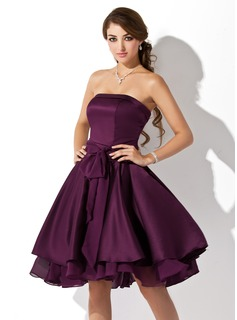 A-Line/Princess Strapless Knee-Length Chiffon Satin Chiffon Homecoming Dress With Ruffle Bow(s)