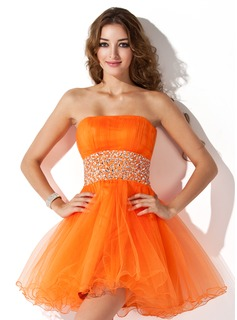A-Line/Princess Strapless Short/Mini Tulle Homecoming Dress With Ruffle Beading (022021051)