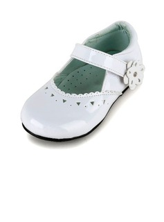 Kids' Leatherette Flat Heel Closed Toe Flats With Hollow-out Flower
