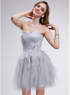 A-Line/Princess Sweetheart Short/Mini Tulle Homecoming Dress With Ruffle Beading Appliques