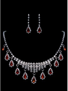 Luxurious Rhinestone Ladies' Jewelry Set Including Necklace And Earrings (011015980)