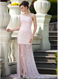Sheath One-Shoulder Court Train Lace Mother of the Bride Dress With Beading (008024571)