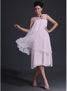 A-Line/Princess Scoop Neck Tea-Length Chiffon Charmeuse Bridesmaid Dress With Flower(s)
