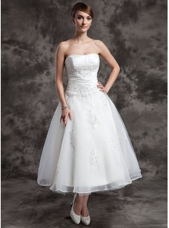 A-Line/Princess Sweetheart Tea-Length Taffeta Organza Wedding Dress With Ruffle Beading Appliques Lace