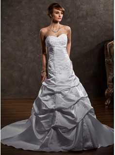 A-Line/Princess Sweetheart Court Train Satin Wedding Dress With Lace Beadwork (002012148)