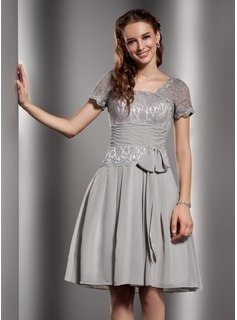 A-Line/Princess Square Neckline Knee-Length Chiffon Lace Homecoming Dress With Ruffle