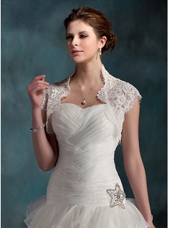 Short Sleeve Lace Wedding Jackets/Wraps (013022603)