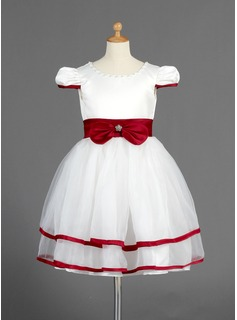 A-Line/Princess Scoop Neck Knee-Length Organza Satin Flower Girl Dress With Sash Beading Bow(s)