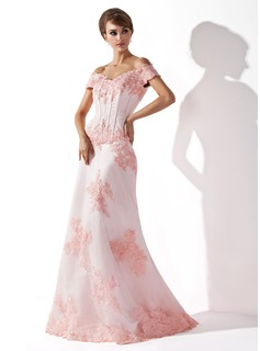 A-Line/Princess Off-the-Shoulder Floor-Length Satin Tulle Mother of the Bride Dress With Lace Beading
