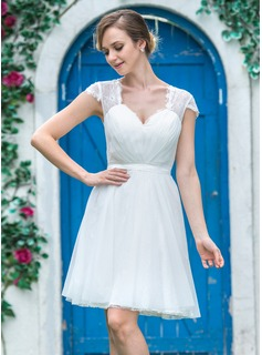A-Line/Princess Sweetheart Short/Mini Tulle Lace Wedding Dress With Ruffle