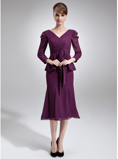 Mermaid V-neck Knee-Length Chiffon Mother of the Bride Dress With Ruffle
