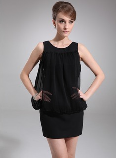 Sheath Scoop Neck Short/Mini Chiffon Cocktail Dress With Ruffle (016008690)