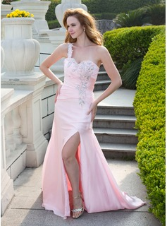 A-Line/Princess One-Shoulder Court Train Chiffon Prom Dress With Ruffle Beading (018024659)