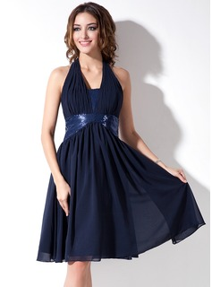 A-Line/Princess Halter Knee-Length Chiffon Sequined Homecoming Dress With Ruffle