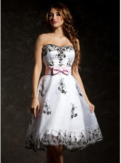A-Line/Princess Sweetheart Knee-Length Organza Cocktail Dress With Embroidered Sash (016008333)