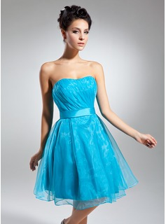 Sheath Sweetheart Knee-Length Organza Charmeuse Cocktail Dress With Ruffle