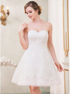 A-Line/Princess Sweetheart Knee-Length Tulle Lace Wedding Dress