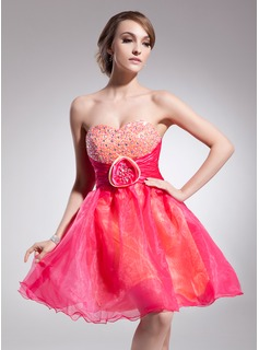 Empire Sweetheart Knee-Length Organza Cocktail Dress With Ruffle Beading Flower(s)
