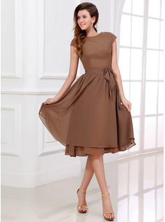 A-Line/Princess Scoop Neck Tea-Length Chiffon Bridesmaid Dress (007017303)