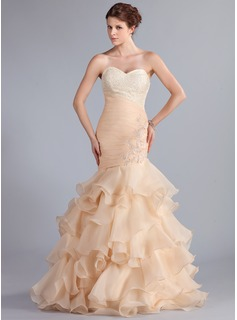 Trumpet/Mermaid Sweetheart Floor-Length Organza Prom Dress With Lace Beading Cascading Ruffles (018026261)