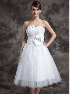 A-Line/Princess Sweetheart Tea-Length Satin Tulle Wedding Dress With Lace Beadwork Flower(s)