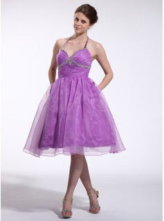 A-Line/Princess Halter Knee-Length Organza Charmeuse Homecoming Dress With Ruffle Beading (022026267)