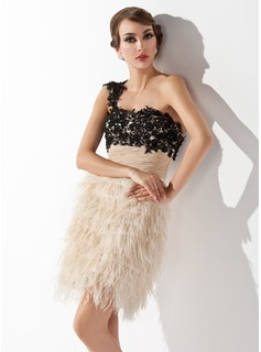 Sheath One-Shoulder Short/Mini Chiffon Lace Feather Cocktail Dress With Embroidered Ruffle (016008351)