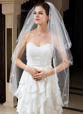 Three-tier Fingertip Bridal Veils With Cut Edge (006035733)