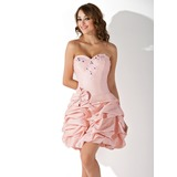 Sheath Sweetheart Short/Mini Taffeta Homecoming Dress With Ruffle Beading (022020992)