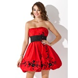 Empire Strapless Short/Mini Taffeta Homecoming Dress With Ruffle Sash Beading Appliques