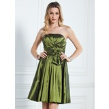 A-Line/Princess Strapless Knee-Length Taffeta Bridesmaid Dress With Ruffle Flower(s)