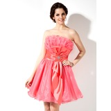 A-Line/Princess Scalloped Neck Short/Mini Taffeta Organza Homecoming Dress With Ruffle Beading