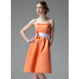 A-Line/Princess Sweetheart Knee-Length Satin Bridesmaid Dress With Sash Flower(s) (007000928)