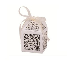 White Stars Laser Cut Favor Box (Set of 12) (050026310)