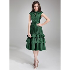 A-Line/Princess Scoop Neck Knee-Length Charmeuse Homecoming Dress With Ruffle