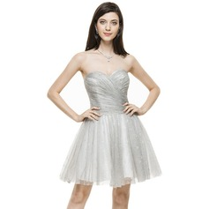 A-Line/Princess Sweetheart Knee-Length Lace Cocktail Dress With Ruffle