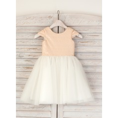 A-Line/Princess Knee-length Flower Girl Dress - Tulle/Sequined Short Sleeves Scoop Neck