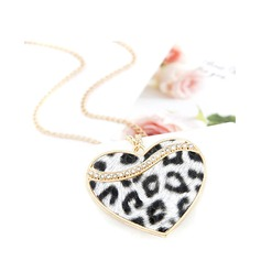 Heart Shaped Alloy With Rhinestone Ladies' Fashion Necklace