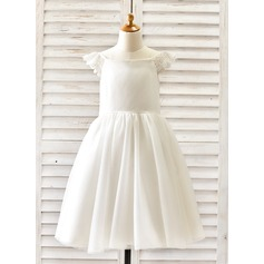 A-Line/Princess Knee-length Flower Girl Dress - Tulle Short Sleeves Scoop Neck With Lace