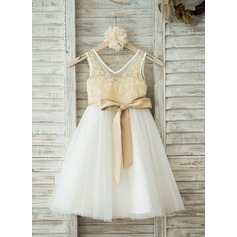 A-Line/Princess Knee-length Flower Girl Dress - Tulle/Lace Sleeveless V-neck With Sash/V Back