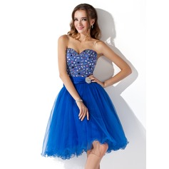 A-Line/Princess Sweetheart Knee-Length Tulle Homecoming Dress With Ruffle Lace Beading