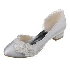 Women's Satin Chunky Heel Closed Toe Pumps With Satin Flower Stitching Lace