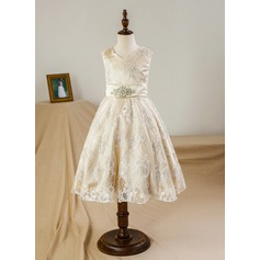 A-Line/Princess Knee-length Flower Girl Dress - Satin/Tulle/Lace Sleeveless V-neck With Bow(s)/Rhinestone